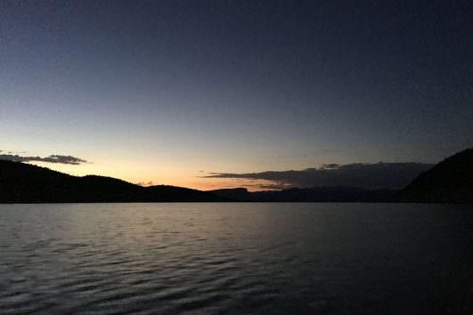 roosevelt lake at night